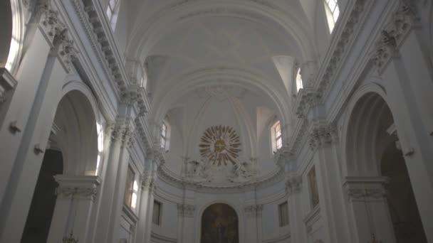 interiér-katolické církve v Itálii
