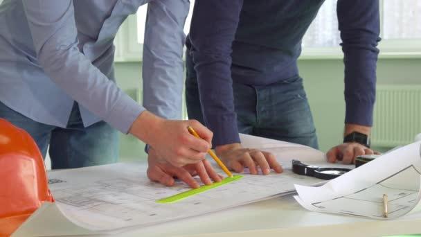 Zwei Architekten prägen die Pläne des Gebäudes