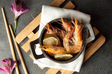 Large cooked prawns
