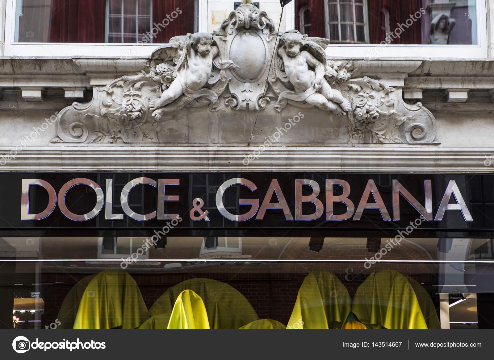 432f7488de Dolce e Gabbana Store a Londra — Foto Editoriale Stock © chrisdorney ...