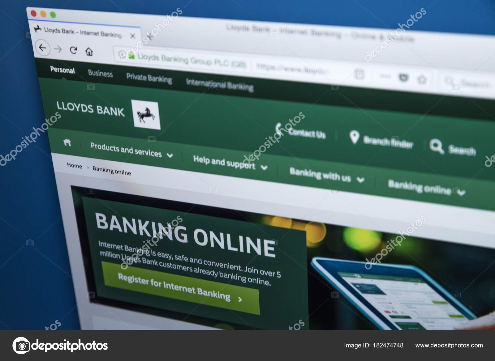 Lloyds Bank Online Banking – Stock Editorial Photo © chrisdorney