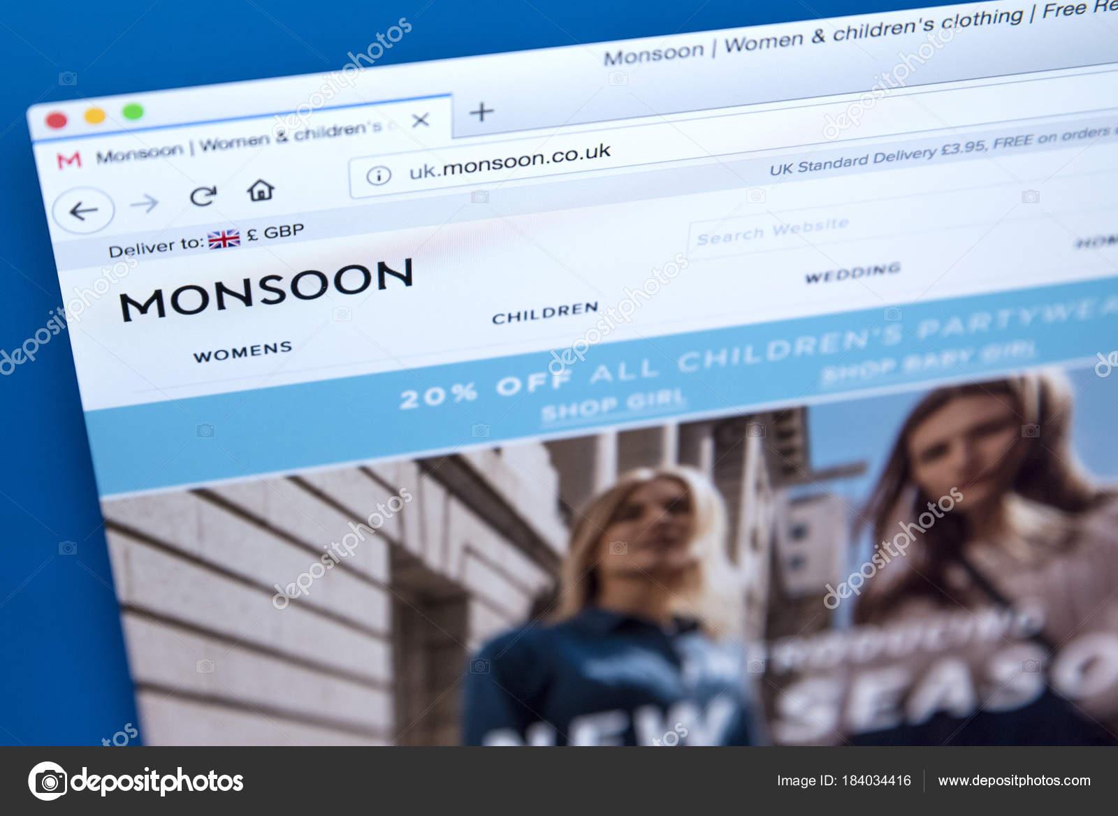 5e5808faffd Monsoon ropa cadena sitio web — Foto editorial de stock ...