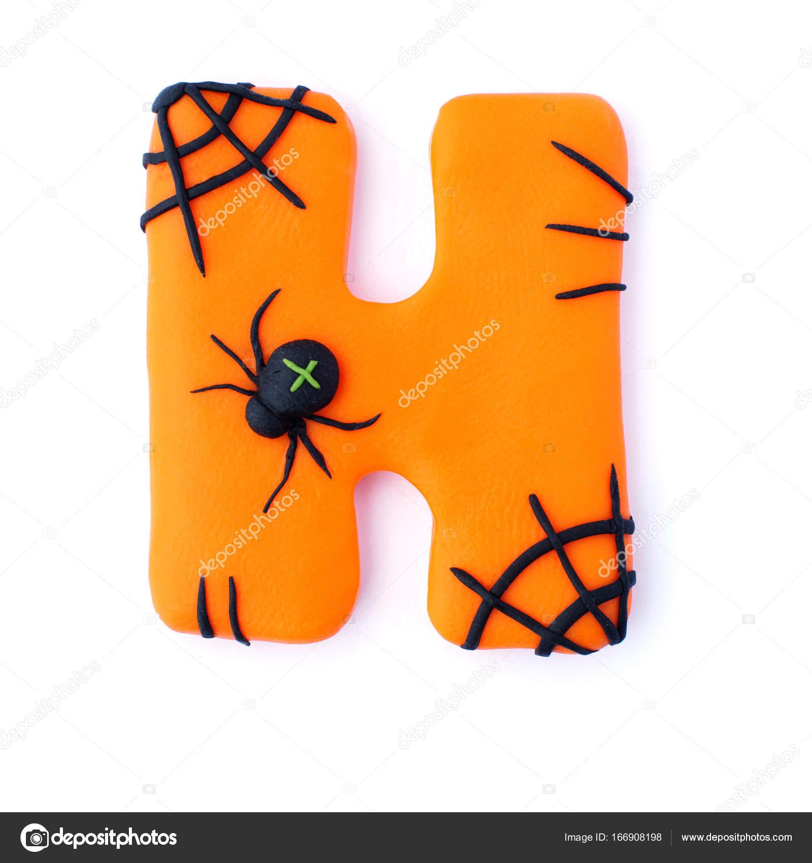 3d texto negro y naranja letra h aislado sobre fondo blanco estilo