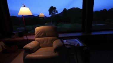Interni moderni una casa campagna notte illuminazione sera
