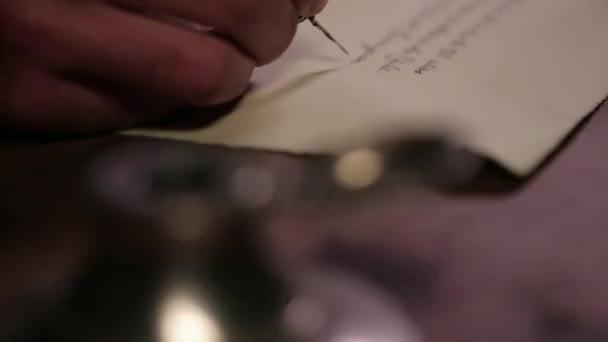 Ruční poklesy plnicí pero