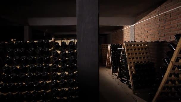 Vinný sklep s lahví