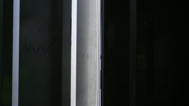 Dveře dvoukřídlé otevírání