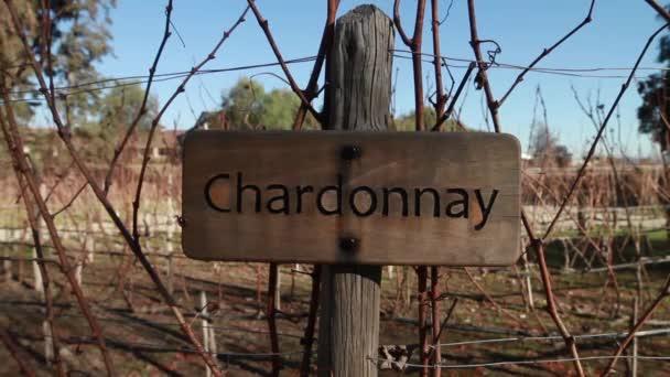 Víno Chardonnay pole znak