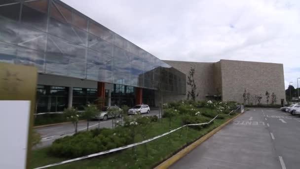 moderní budova lobby exteriér