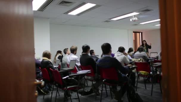 Nő tanítás egyetemi osztály