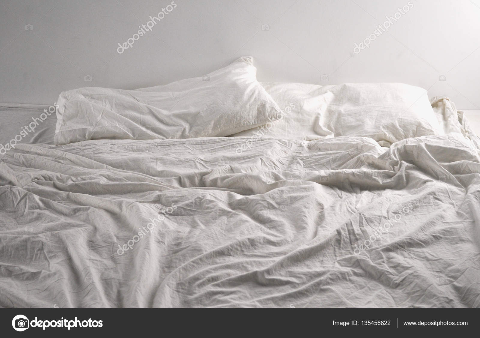 Unmade Bed Sheets U2014 Stock Photo
