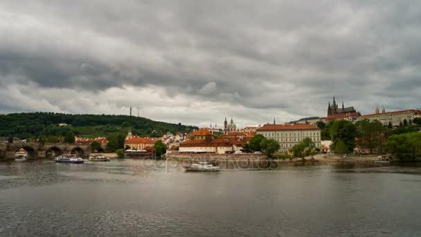 Zamračený den v Praze
