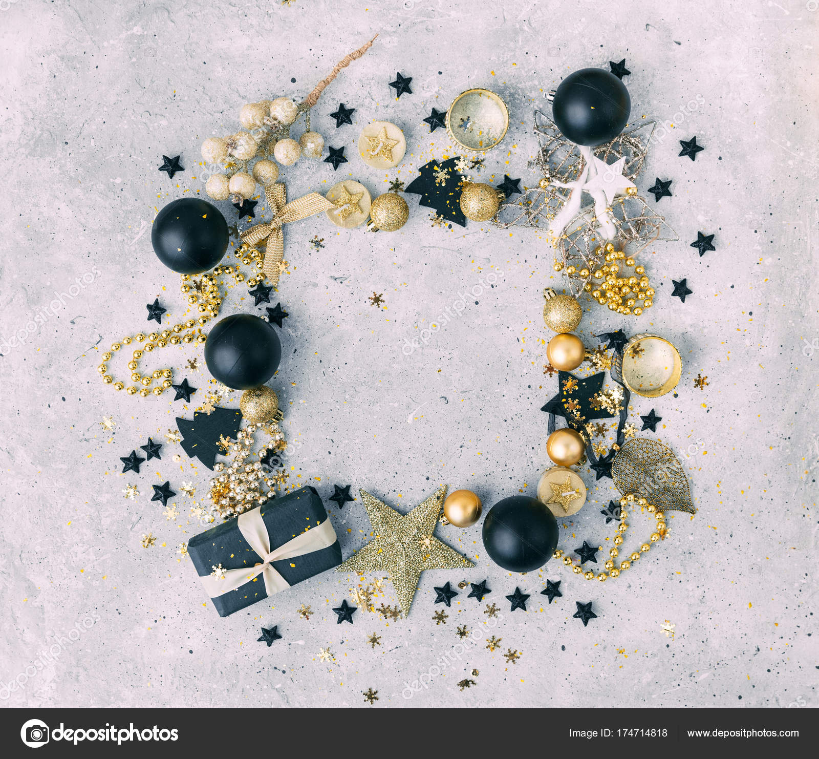 Black and gold Christmas decorations with t box — Stock