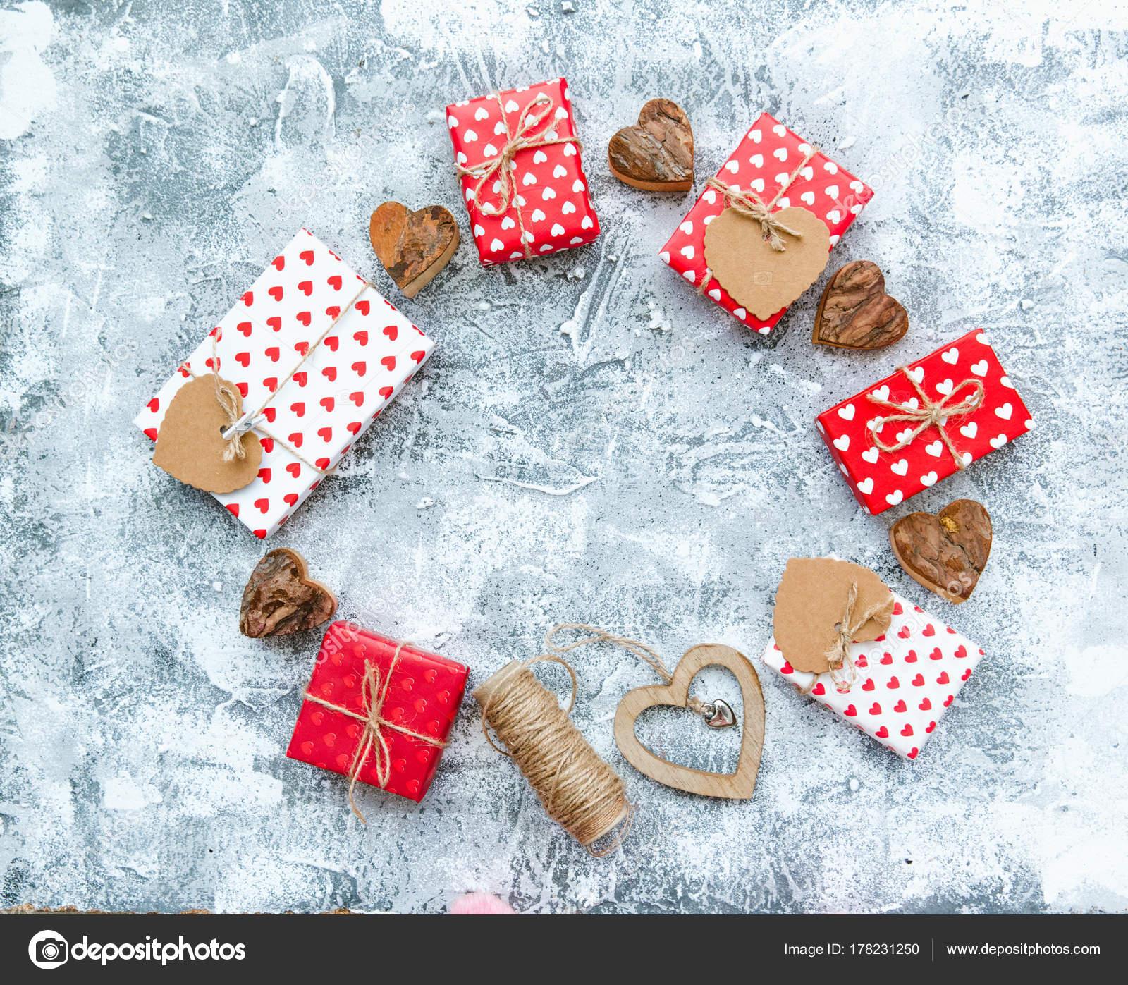 Valentine Rahmen Mit Geschenk Boxen Und Herzen Rote Dekoration ...