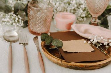Shabby chic wedding decoration table