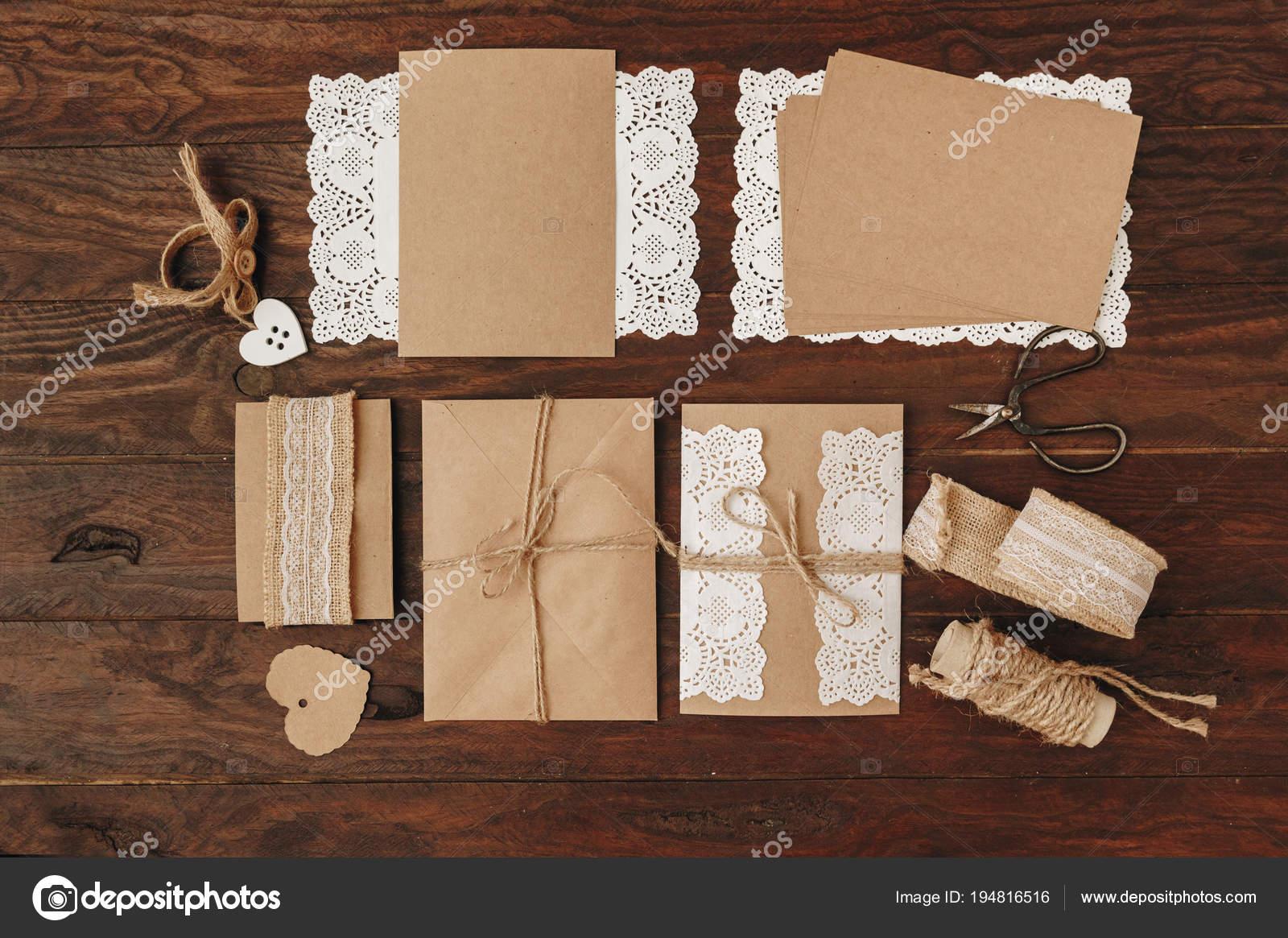 Invito Matrimonio Rustico : Come fare inviti matrimonio concetto diy rustico lay flat oggetti