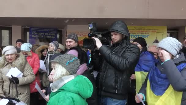 Ukrainian patriotic flash mob meeting song