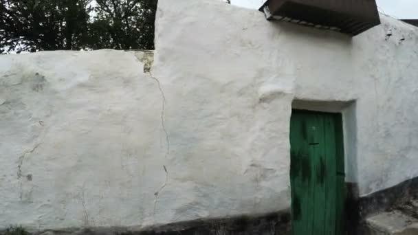Starý dům z hlíny