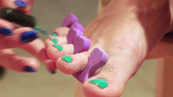 Obřízku nehty na nohou