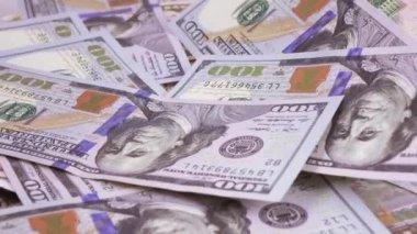 Különböző rubelt és a dollár-bankjegyek