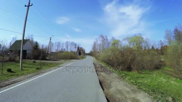 Silnice v obci Dřevěnice