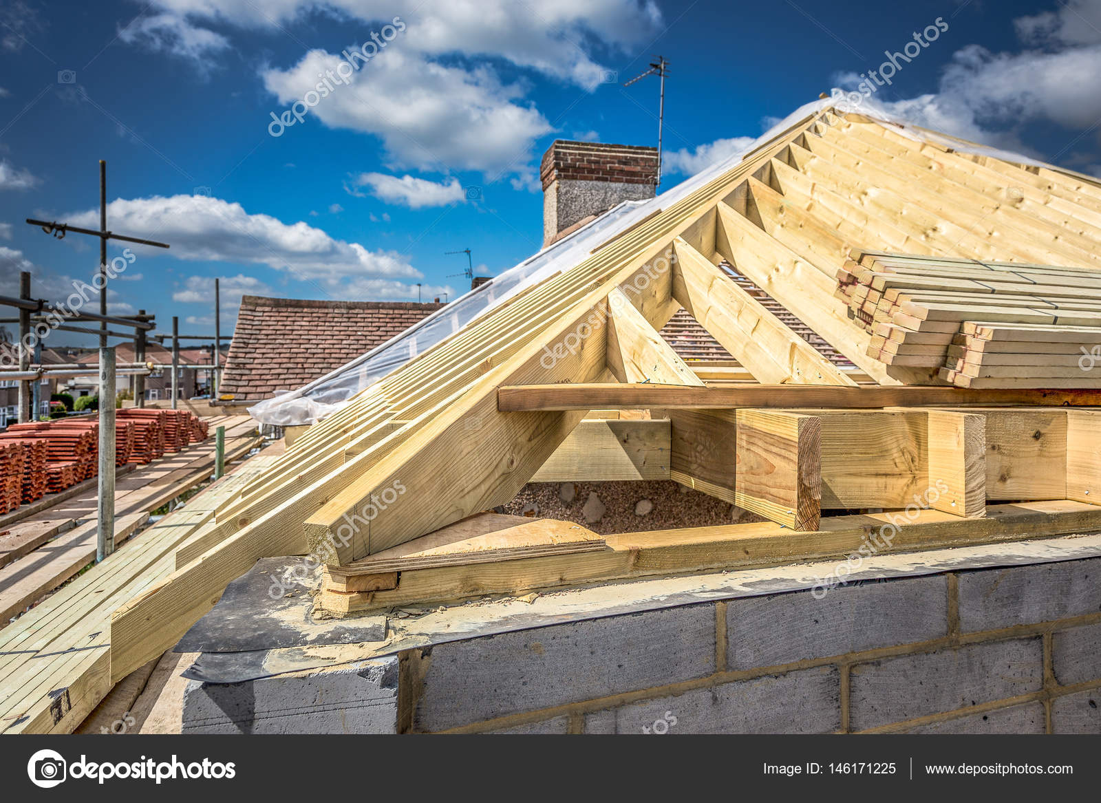 lugar de trabajo, construcción de casas madera de jales de techo ...