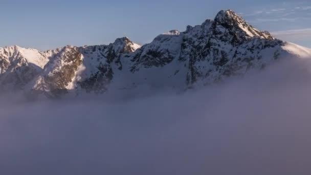 Pohled směrem k Swinica a Granaty z Kasprowy Wierch v Tatrách - časosběrné Video