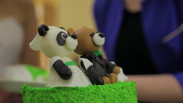 pandora taart Pandora of Beer op groene vakantie taart. Verjaardagsfeestje met  pandora taart