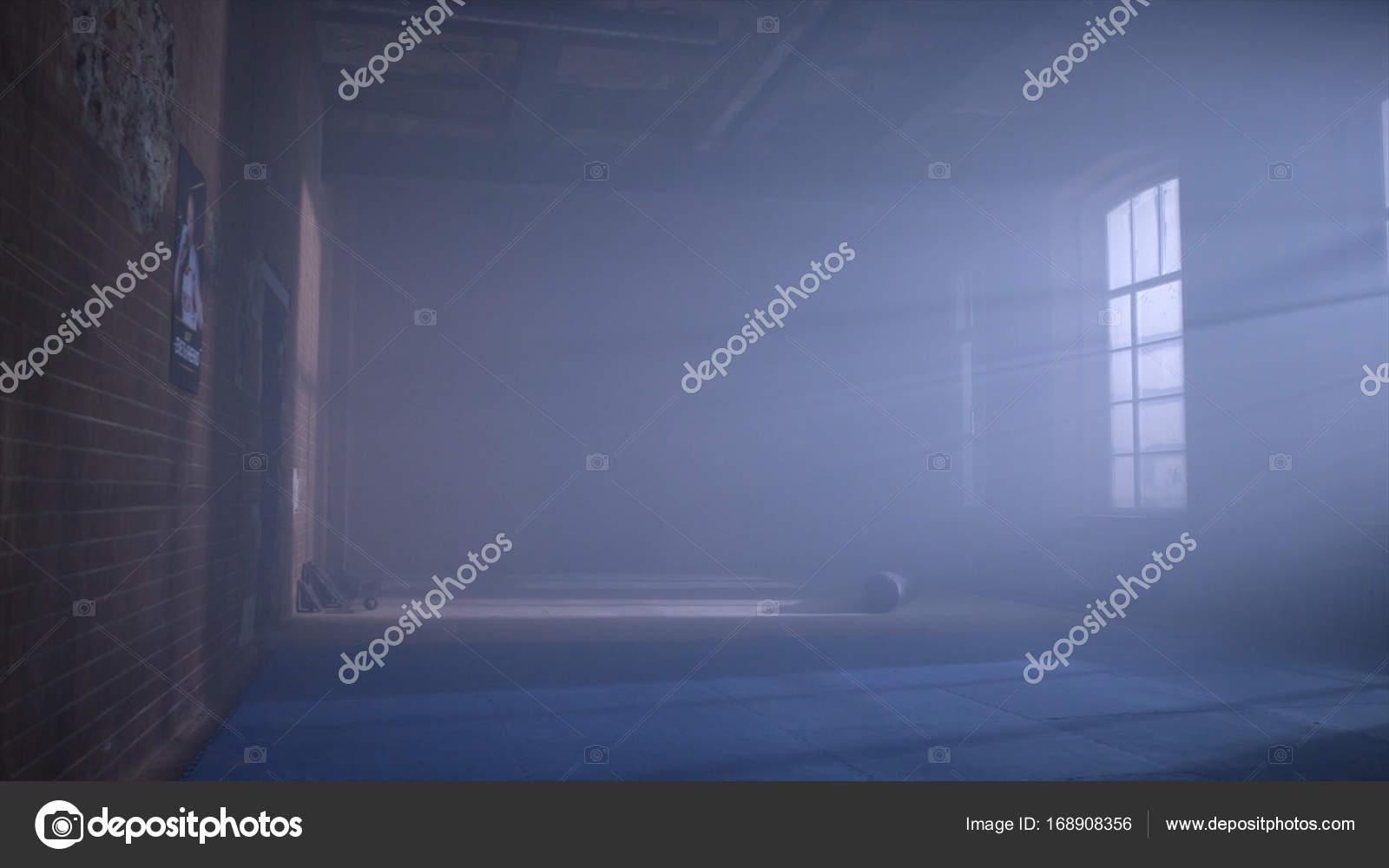 https://st3.depositphotos.com/11911276/16890/i/1600/depositphotos_168908356-stock-photo-gym-in-the-basement-interior.jpg