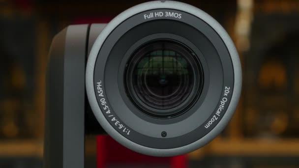 Obiettivo della fotocamera. Primo piano dellobiettivo della fotocamera