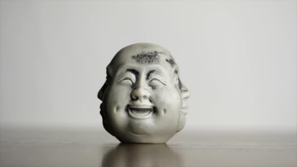 Spirituele verlichting. Hoofd standbeeld met het geluk van een ...