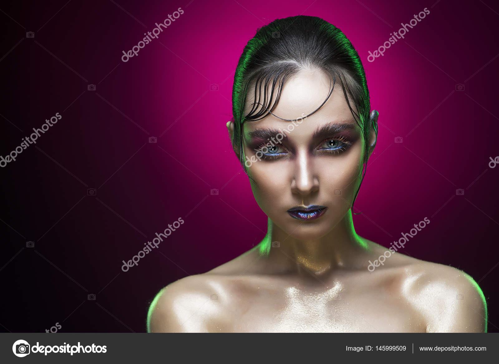 Foto Degradado Pelo Retrato De La Belleza De La Joven Mujer Con