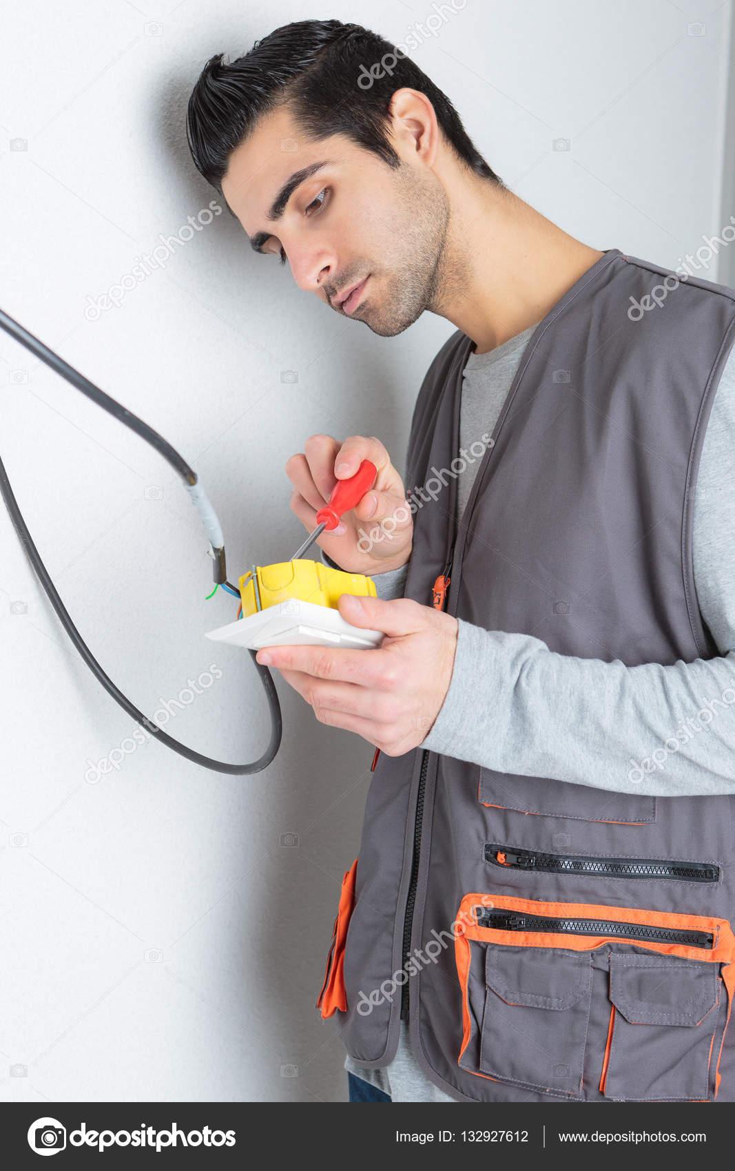 Elektriker Verdrahtung Schalter und Elektriker — Stockfoto ...