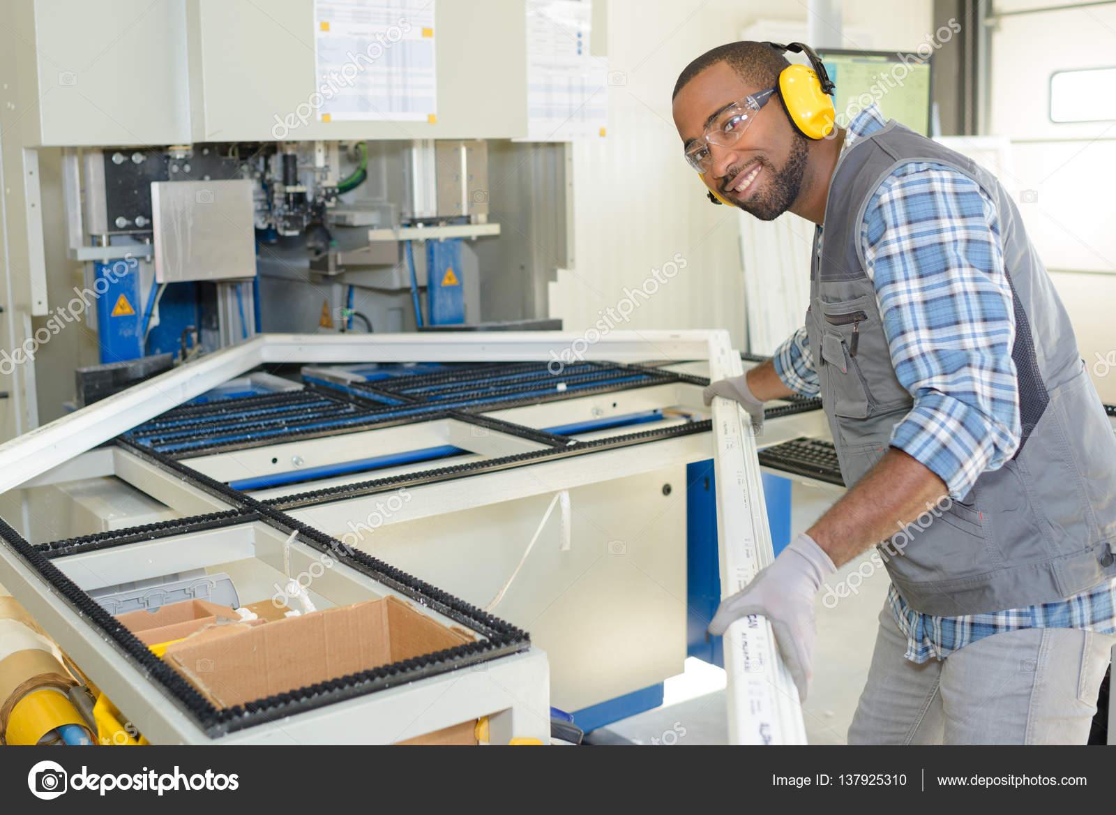 marco y vidrio fabricante posando — Fotos de Stock © photography33 ...