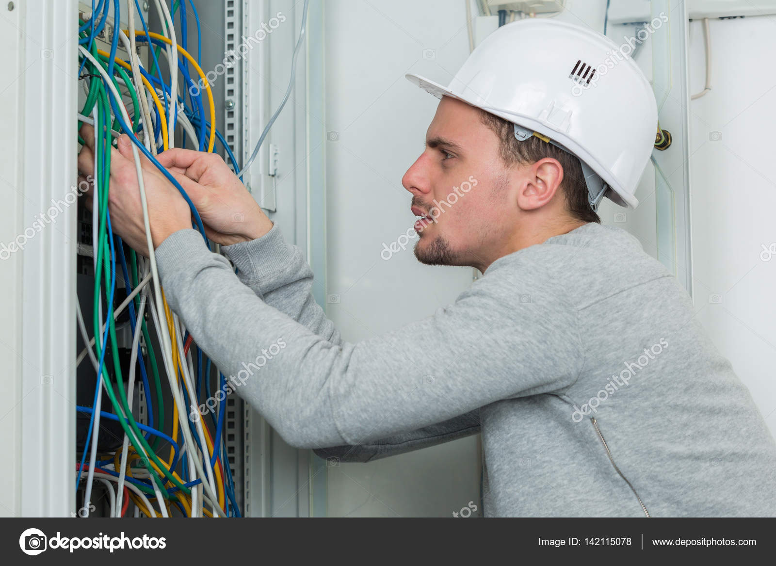 Electrician wiring and electrician — Stock Photo © photography33 ...