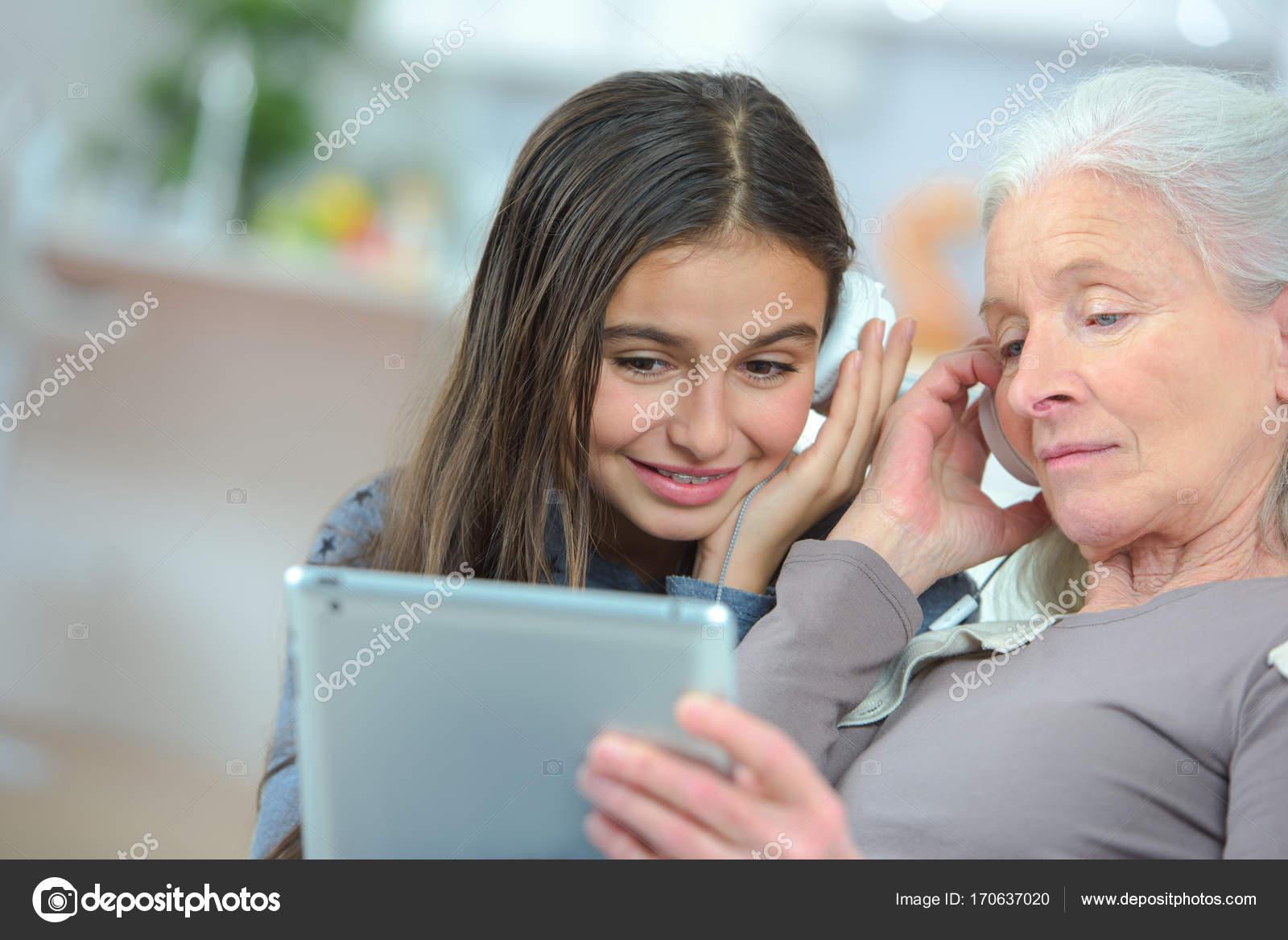 μεγάλη γιαγιά