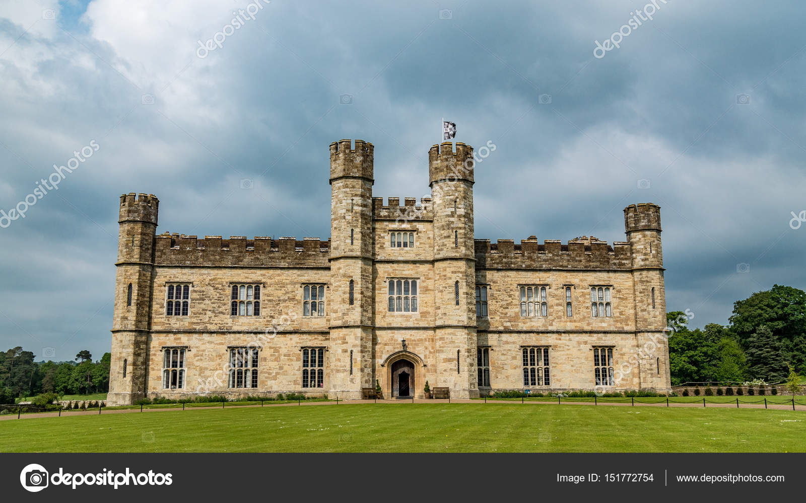 A Moated Medieval Castle In England Stock Photo C Justin Time