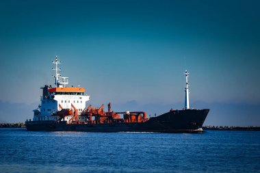 Black cargo oil