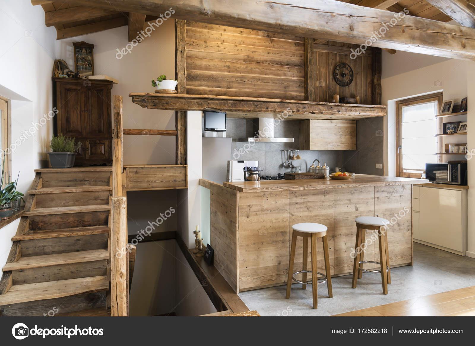 Cuisine En Bois De Style Cottageu2013 Images De Stock Libres De Droits