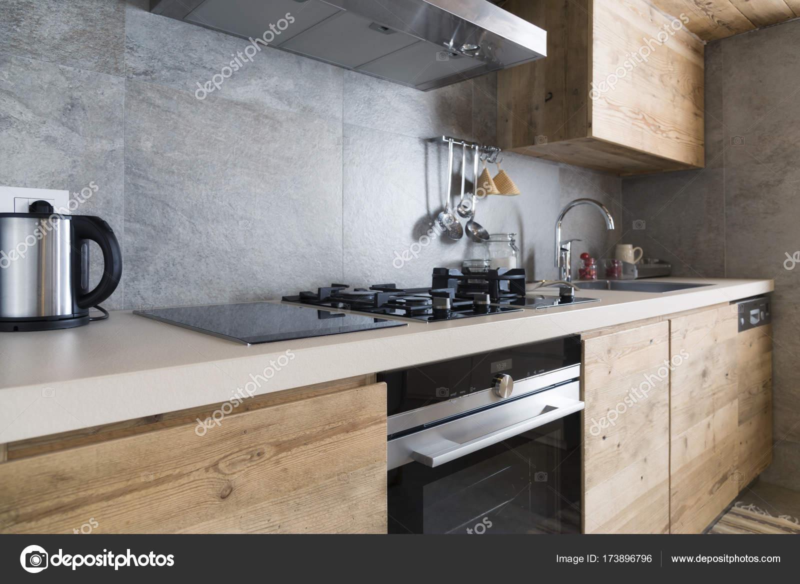 Moderne houten aanrecht u2014 stockfoto © ilfede #173896796