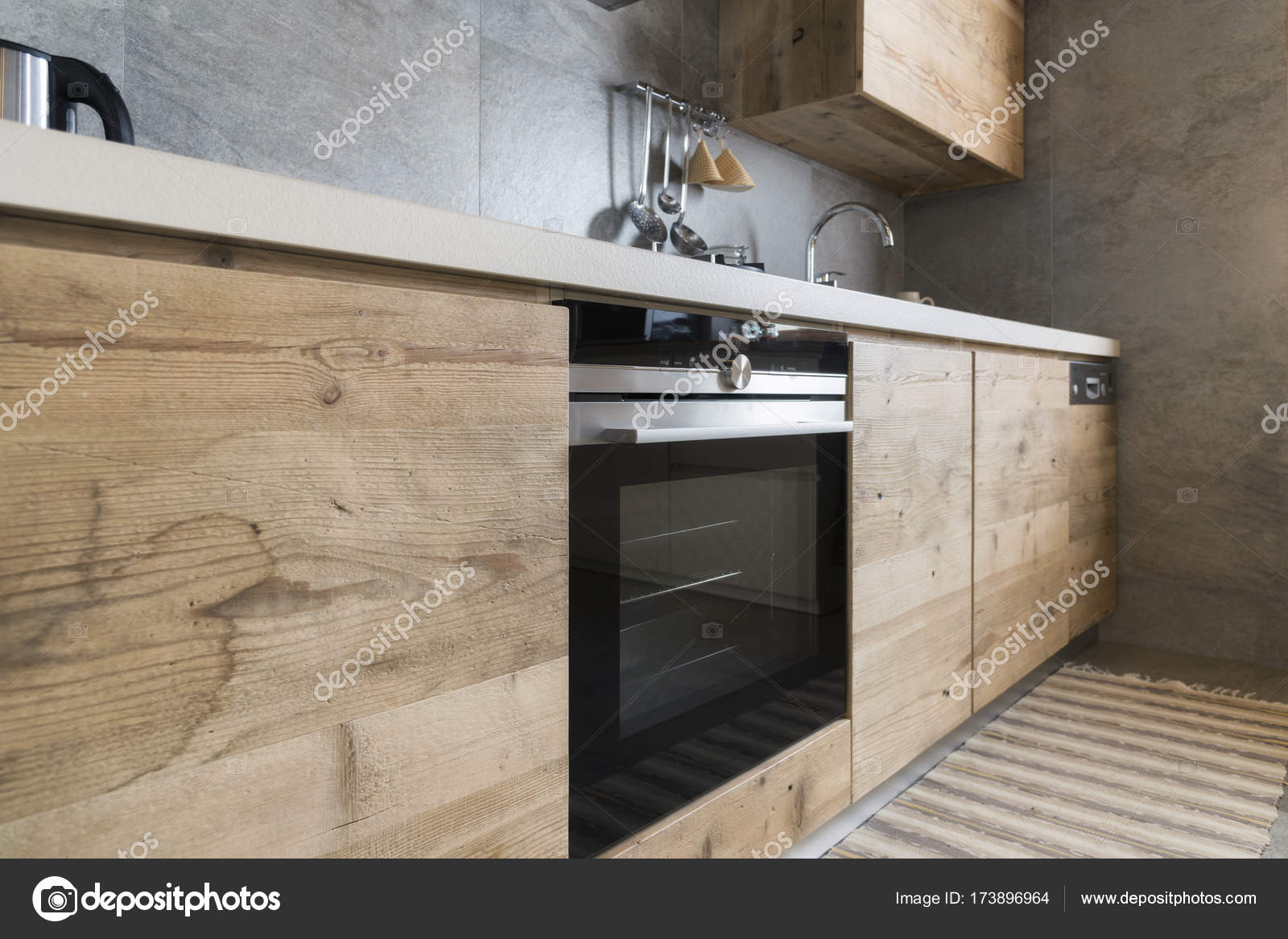 moderne holz-küche — Stockfoto © ilfede #173896964