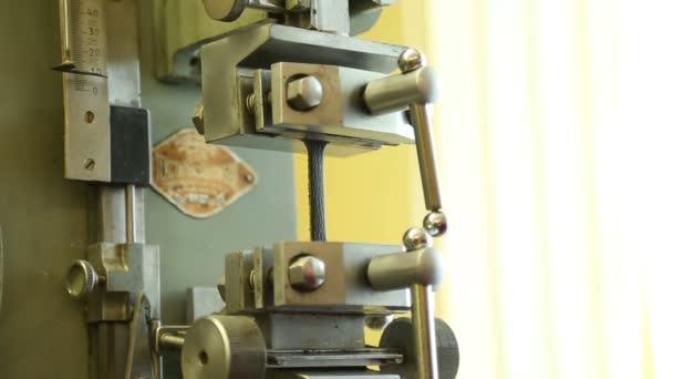 Boty výrobce laboratorní kontroly kvality na kůži propast