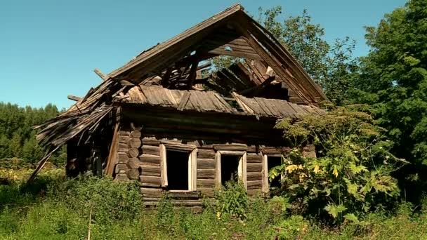 régi faház Windows nélkül és anélkül, hogy a tető, Oroszország