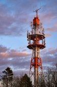 Fotografie Kleiner Funkturm bei Sonnenuntergang auf dem Oschenberg, Bayreuth, Deutschland