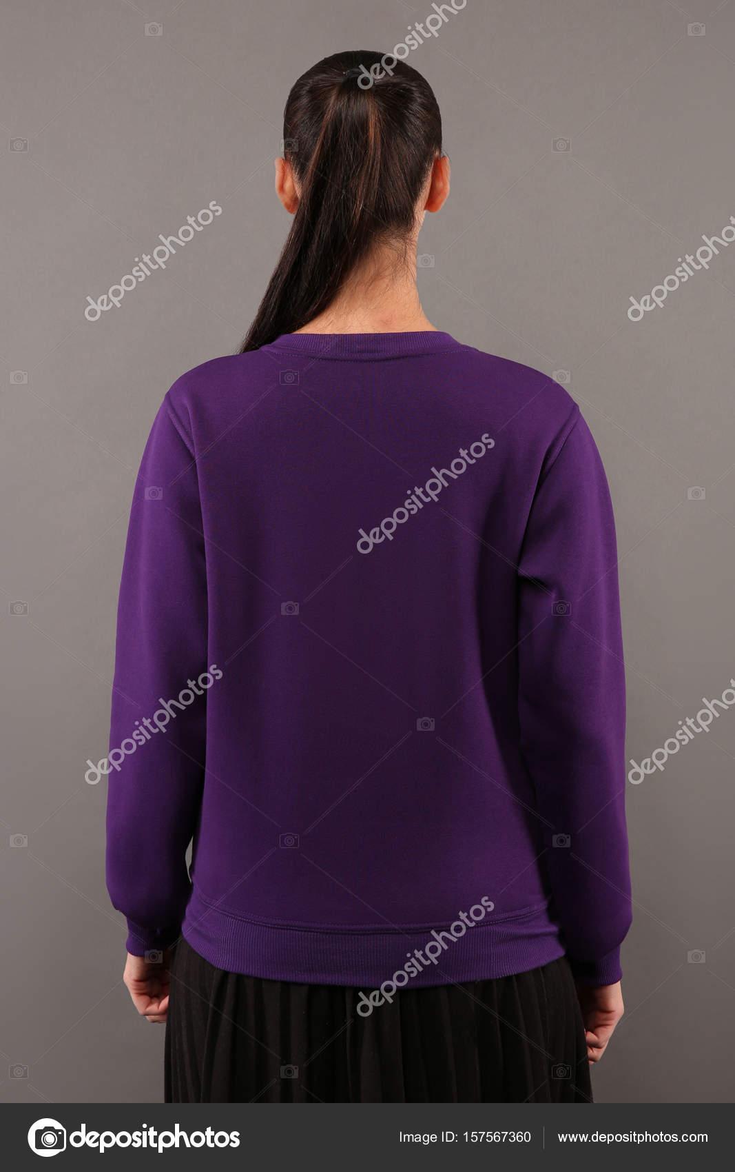 Rückseite junge Hipster Mädchen tragen leere lila Baumwolle ...