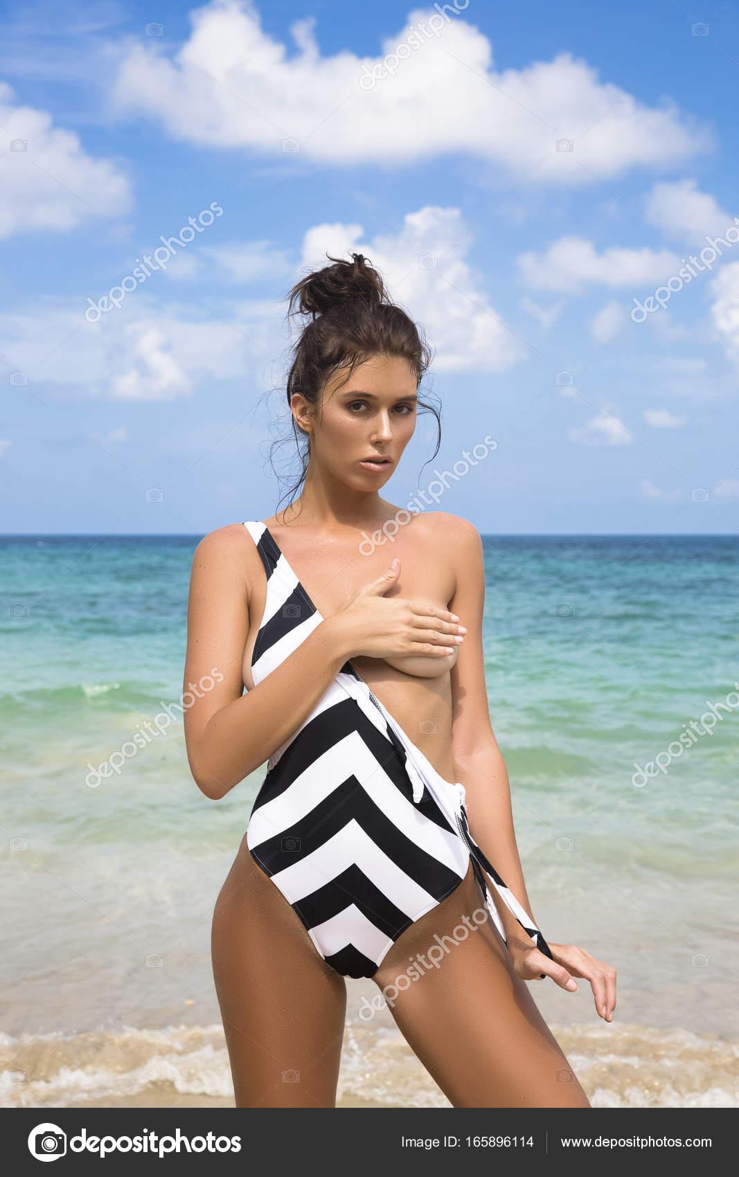 Фотки девушек без бюстгальтера, секс фото с волосатыми крупным планом