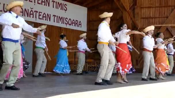 Tanečníci z Puerto Rico v tradičních lidových krojích 1