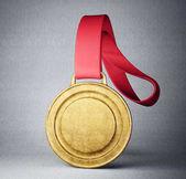 Fotografia medaglia doro con nastro