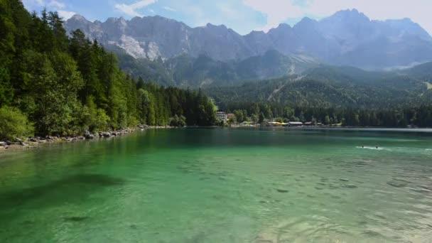 Eibsee-See in Bayern Deutschland, Europa. Sommerlandschaft
