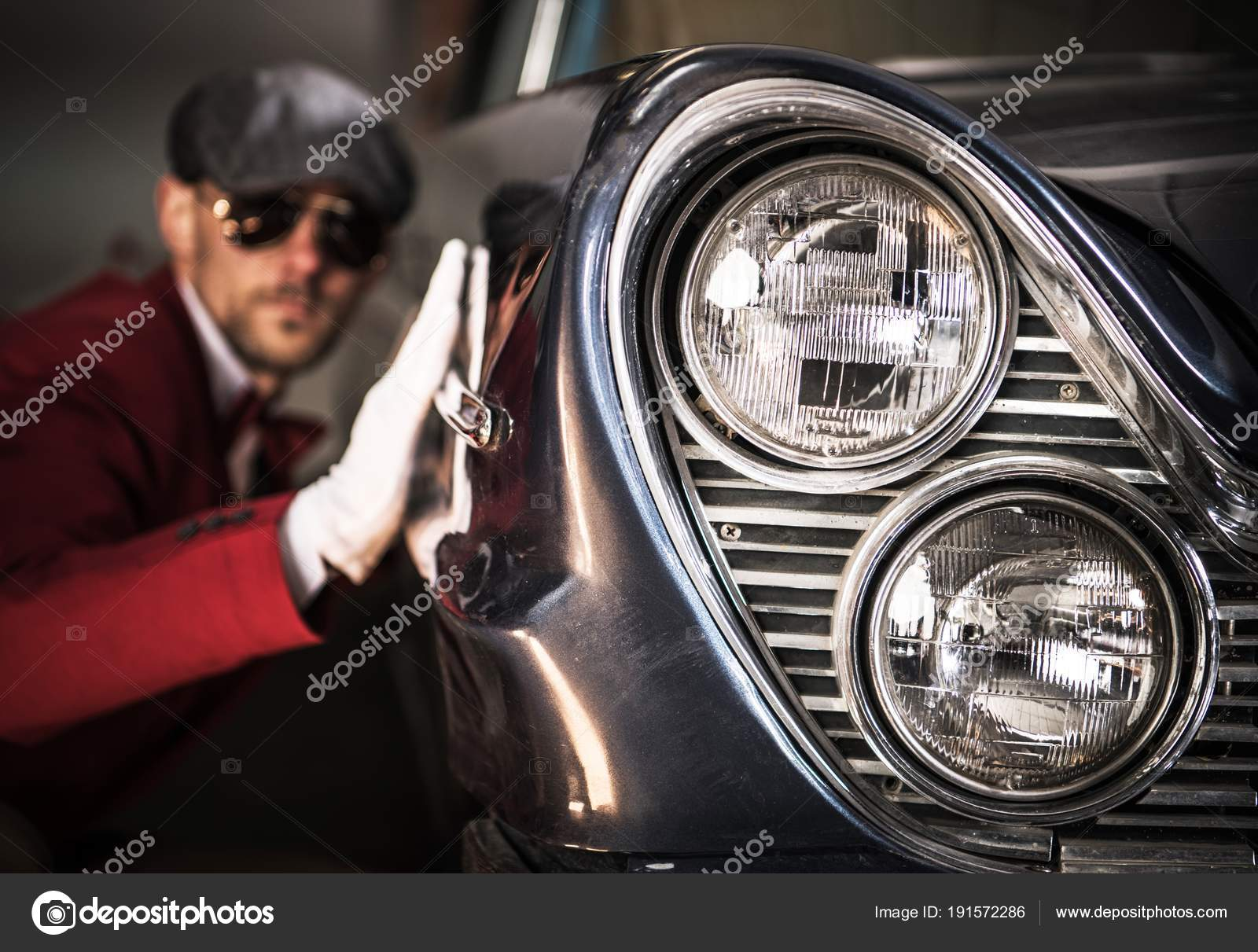 Classic Cars Enthusiasts — Stock Photo © welcomia #191572286